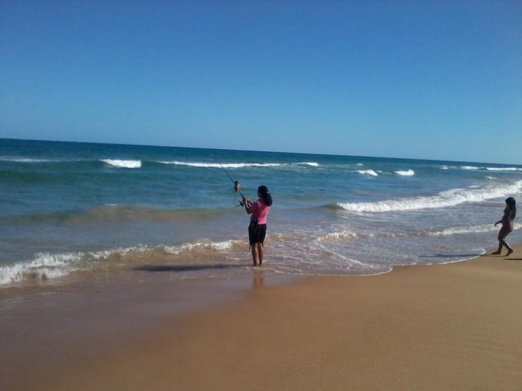 Mulher em tempo de pescaria - Boa Viagem, nov/2012 - SE