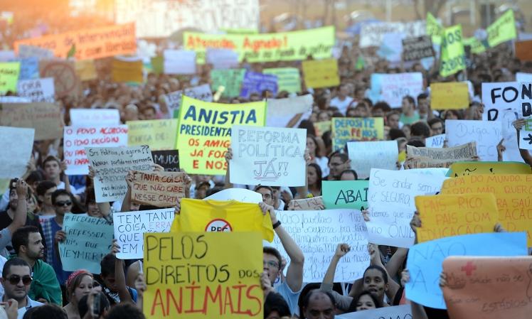 A profusão das ruas ganha novos contornos. Será? - Foto: Fernando Pozzebom/AgBR