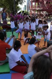 Oficina de Yoga na Academia da Cidade no Coque- Fotos: cobertura coletiva #CoqueRExiste