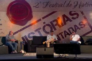 Ricardo Kotscho, Fernando Morais e Paulo Markun, na mesa sobre Ditadura no fHist em Diamantina - Foto: Divulgação