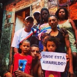 A família de Amarildo não teve direito a enterrar o corpo - Foto capturada no sítio do Núcleo Piratininga.Org