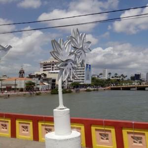 Decoração de Natal do Recife, o PSB e o Divino num único símbolo - Foto: SE