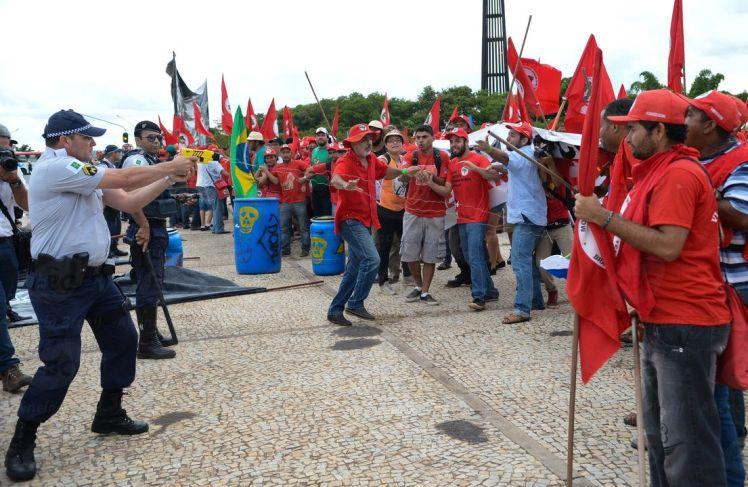 conflito pm-mst-DF_Fábio Rodrigues Pozzebom_AgBR