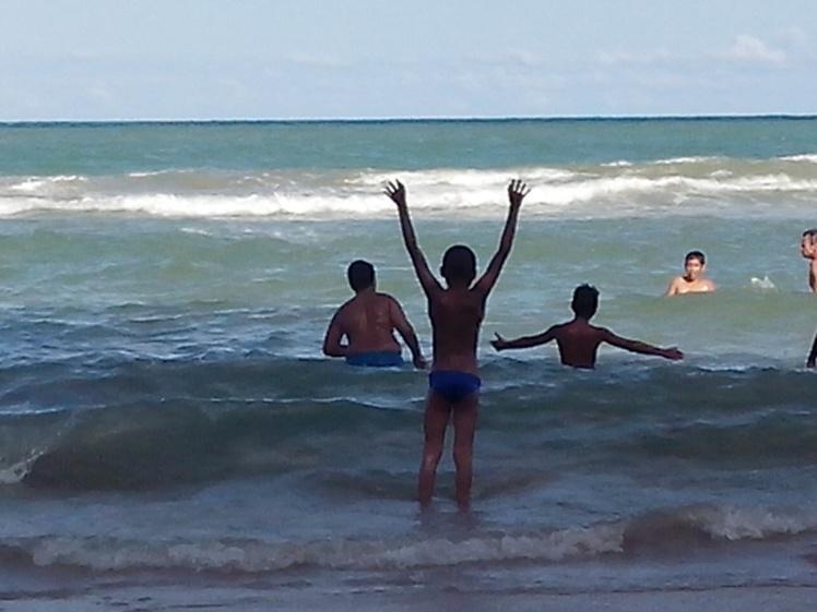 'O mar, quando chega na praia, é bonito, é bonito...!' - Dorival Caymmi