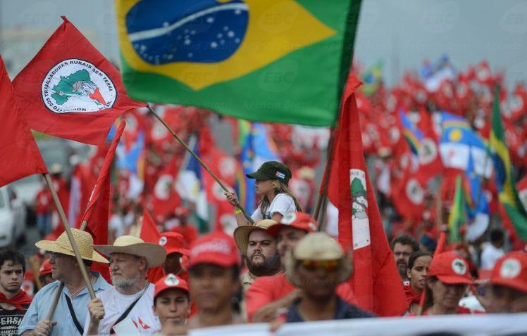 """Perigosos"" : marcha do MST rumo à Esplanada - Fotos: Fábio Pozzebom/AgBR"
