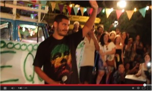 Criolo, talento que não se nega à palavra certa onde e quando faz diferença - Foto: printada do vídeo da apresentação postado no Youtube
