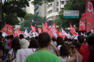 Passeata no centro, comício com Lula em Santa Tereza. É Beagá com Dilma - Foto: Muda Mais/FB