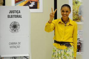 """Marina Silva após votação Em Rio Branco: o """"V"""" da vitória ficou no sonho, outra vez - Tomaz Silva/AgBR/Fotos Públicas"""