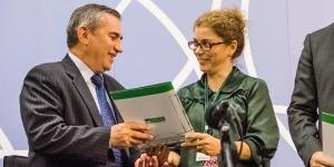Gilberto Carvalho recebe a Plataforma da Comunicação Pública - Foto: Barão de Itararé