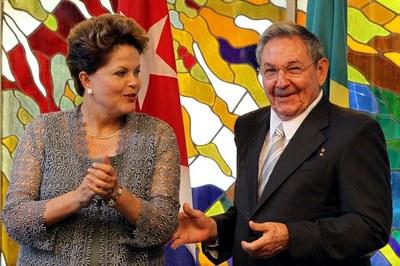 A presidenta Dilma Roussef e o comandante Raul Castro, presidente de Cuba - Foto: Carta Capital