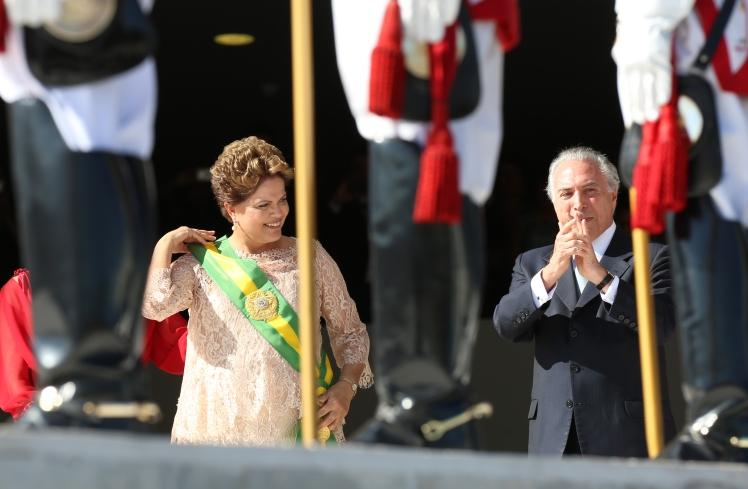 A faixa presidencial recolocada, eis o detalhe que incomoda - Foto: Lula Marques/Fotos Públicas
