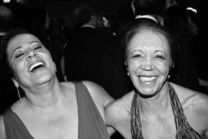 Zeíca e Euzinha nos divertindo em festa de casamento em família - Foto: Clarice Malaco