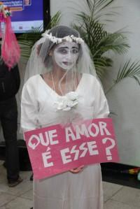 Versão de noiva do grupo recifense Loucas da Pedra Lilás - III Congresso Nacional de Políticas para Mulheres 2014- AgBR