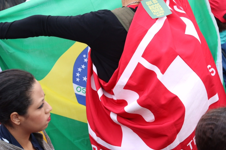 Pela democracia e pelo Brasil - Foto: Roberto Parizotti - CUT