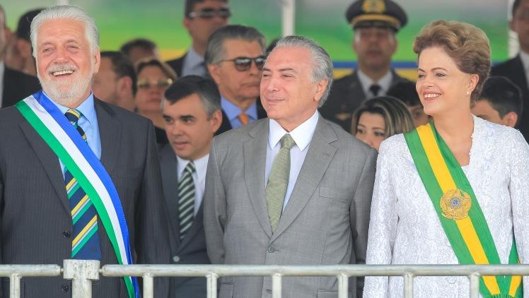 A presidenta Dilma Roussef ao laod do vice, Michel Temer e do ministro da Defesa, Jacques Wagner, durante o desfile cívico-militar de 7 de Setembro em comemoração ao Dia da Independência. Foto: Ichiro Guerra/PR/Fotos \Públicas