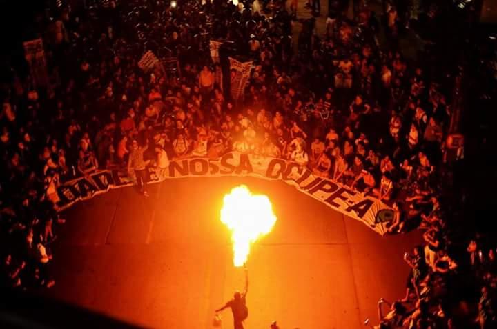 A manifestação chegou ao destino: o Cais José Estelita - Foto: FB/#Ocupe Estelita