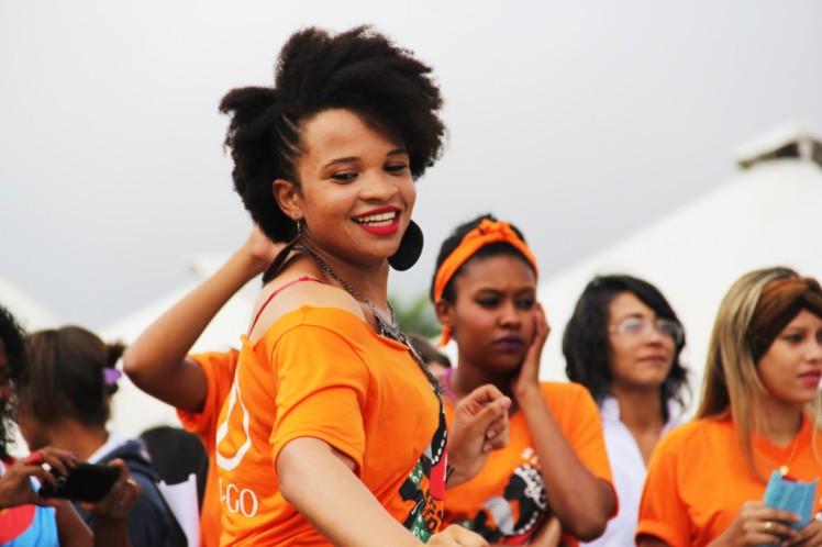 O laranja, definido pela ONU como cor-símbolo da campanha de combate à violência contra mulheres e meninas, coloriu a Marcha das Mulheres Negras, dia 18, em Brasília - Foto: Tiago Zenero/Pnud