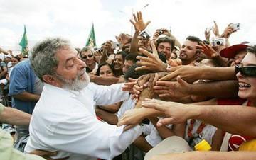 O espectro Lula ameaça a paz dos cemitérios que a direita brasileira sonha ser o Brasil - Reprodução/Facebook