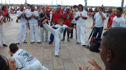 crianças na capoeira