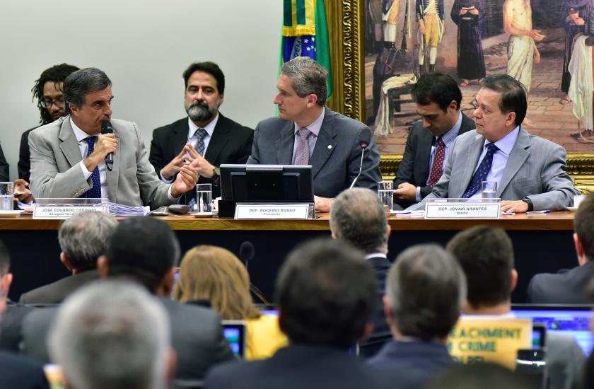 José Eduardo Cardoso, advogado-Geral da União na Comissão do Impeachment - Foto: Zeca Ribeiro / Câmara dos Deputados/Fotos Públicas