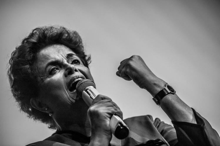 A presidenta legítima, Dilma Guerreira Rousseff, discursa em Curitiba - Foto: Leandro Taques/Jornalistas/Livres