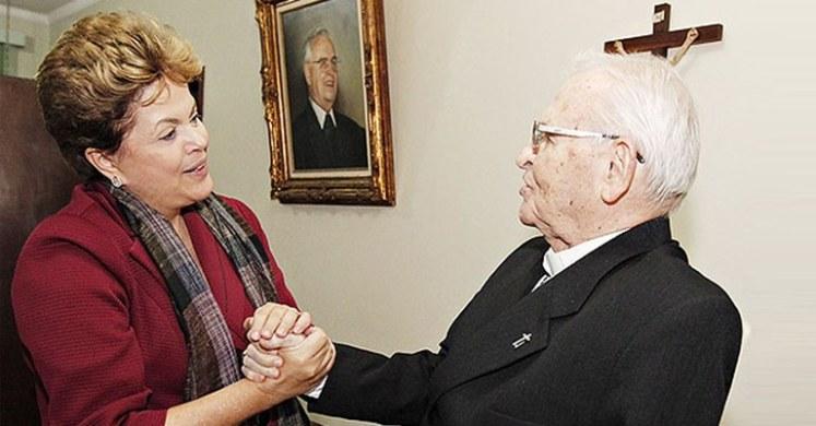 Dom Paulo Evaristo Arns encantou-se no dia do aniversário da presidenta Dilma - Foto: Roberto Stuckert Filho-PR/Fotos Públicas