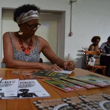 Madu Costa em ação - Foto capturada no FB da autora