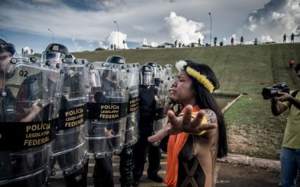 Índia enfrenta o choque em Brasília_ Mídia Ninja
