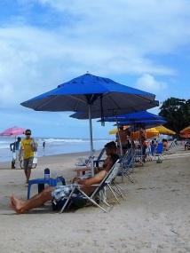 Trabalhadores na praia BV