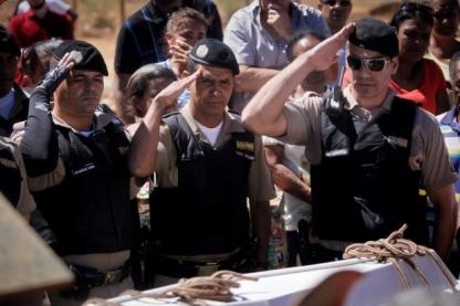 Enterro de Matheus Felipe