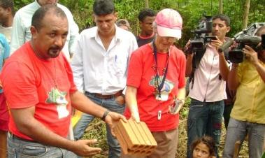 Padre Amaro, ativista social no Pará, está preso sob pretexto de denuncia de tráfico: Foto: reprodução Espaço Aberto, via revista Fórum