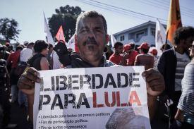 #Lula-Livre é o objetivo da vigília-acampamento - Foto: Gibran Mendes