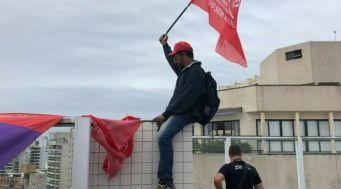 ''Se é do Lula é nosso' - Foto: MTST