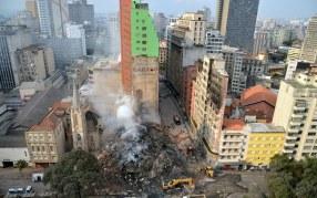Sob os escombros, histórias de vidas e de mortes - Foto: Rovena Rocha/Ag.Brasil/Fotos Públicas