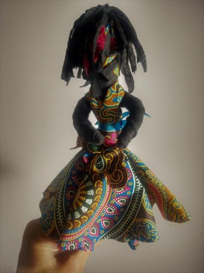 Abayomi, calunga-símbolo do poder feminino e da resistência - Fotos: SEsteliam