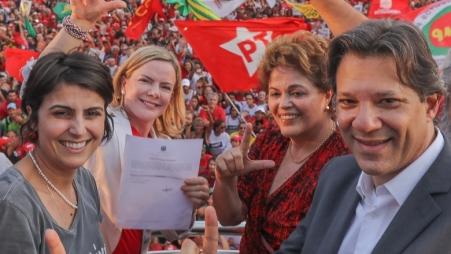 Haddad, Dilma, Gleisi, Manuela, o registro e o povo - Foto: Ricardo Stuckert