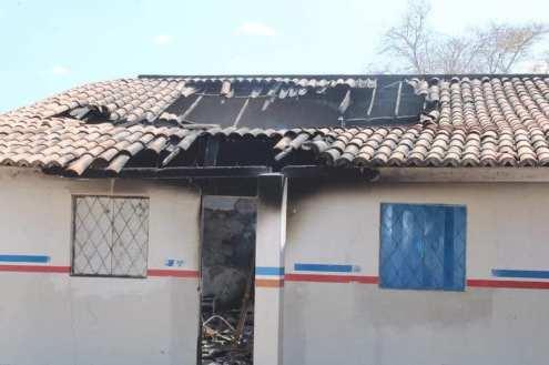 fachada da escola pankaruru 1