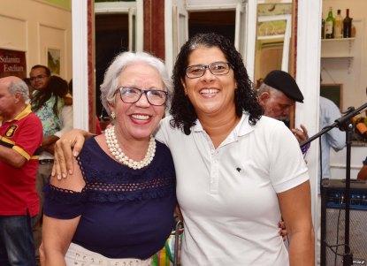 Ana Veloso, jornalista e professora, fez o prefácio do livro - Beto Oliveira