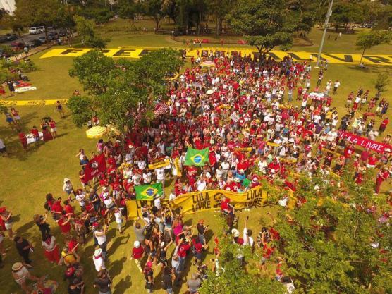 Do alto... - Foto: Coletivo Alvorada-drone