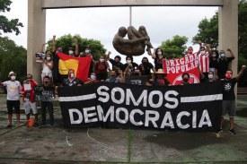Torcidas reunidas no Memorial Tortura Nunca Mais, na Rua da Aurora - Foto: FB/Antifascista Sport