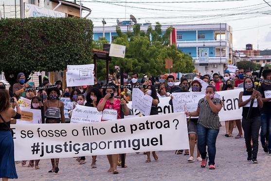 Em Tamandaré, onde o marido da patroa de Mirtes, mãe do menino Miguel Otávio, governa pelo PSB, também no domingo - Foto: BdF