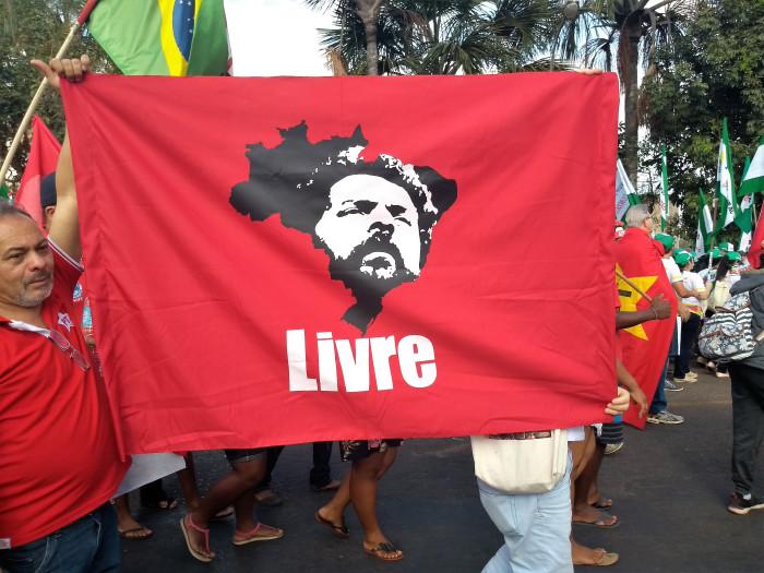 bandeira-lula-livre - SEsteliam